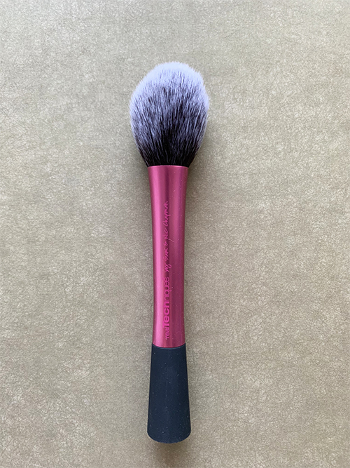 Кисть для румян Real Techniques Blush Brush