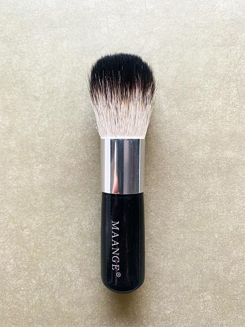 Универсальная кисть для макияжа Beauty Powder Brush