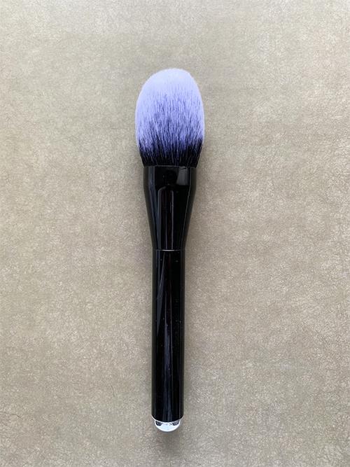 Кисть для румян или бронзера Real Techniques Blush Brush