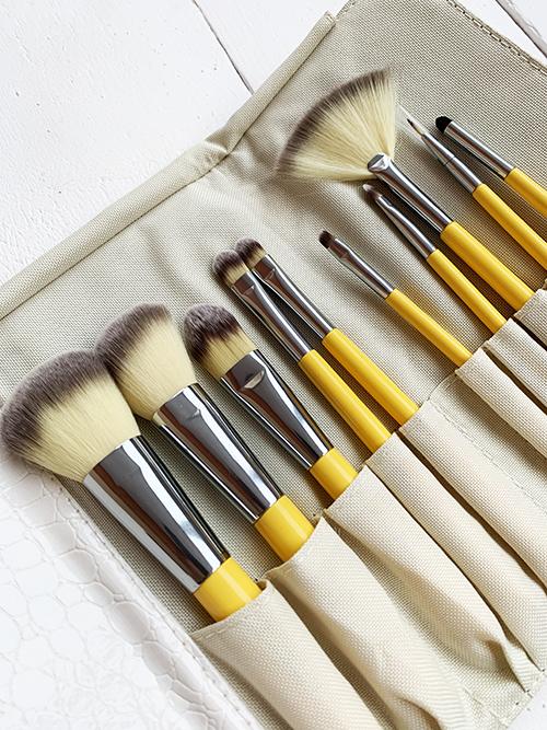Набор из 10 кистей для макияжа